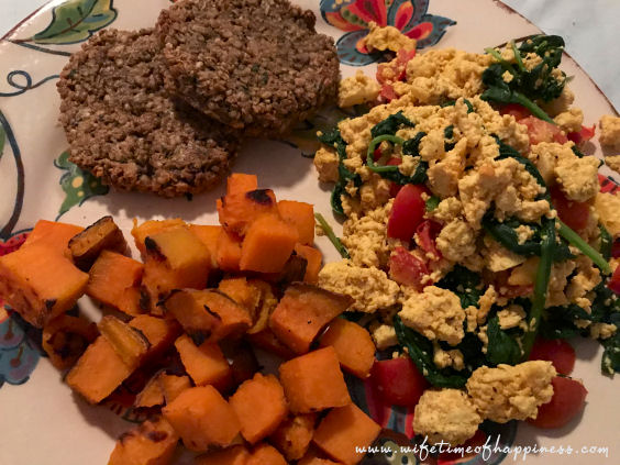 what I eat in a day vegan dinner tofu scramble vegan sausage wifetime of happiness